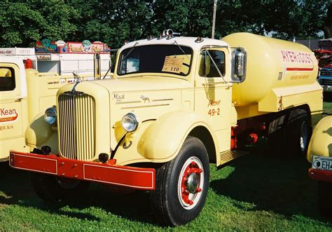 1950 Mack A40 - BMT Member's Gallery - Click here to view