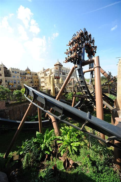 Black Mamba – Inverted Coaster in Deep in Africa! #